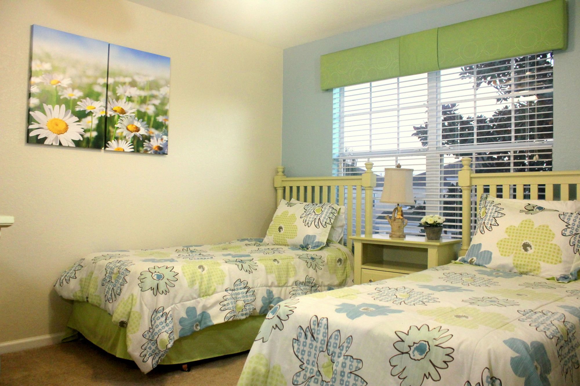 Second Floor Flower Room (Double Twin Beds)