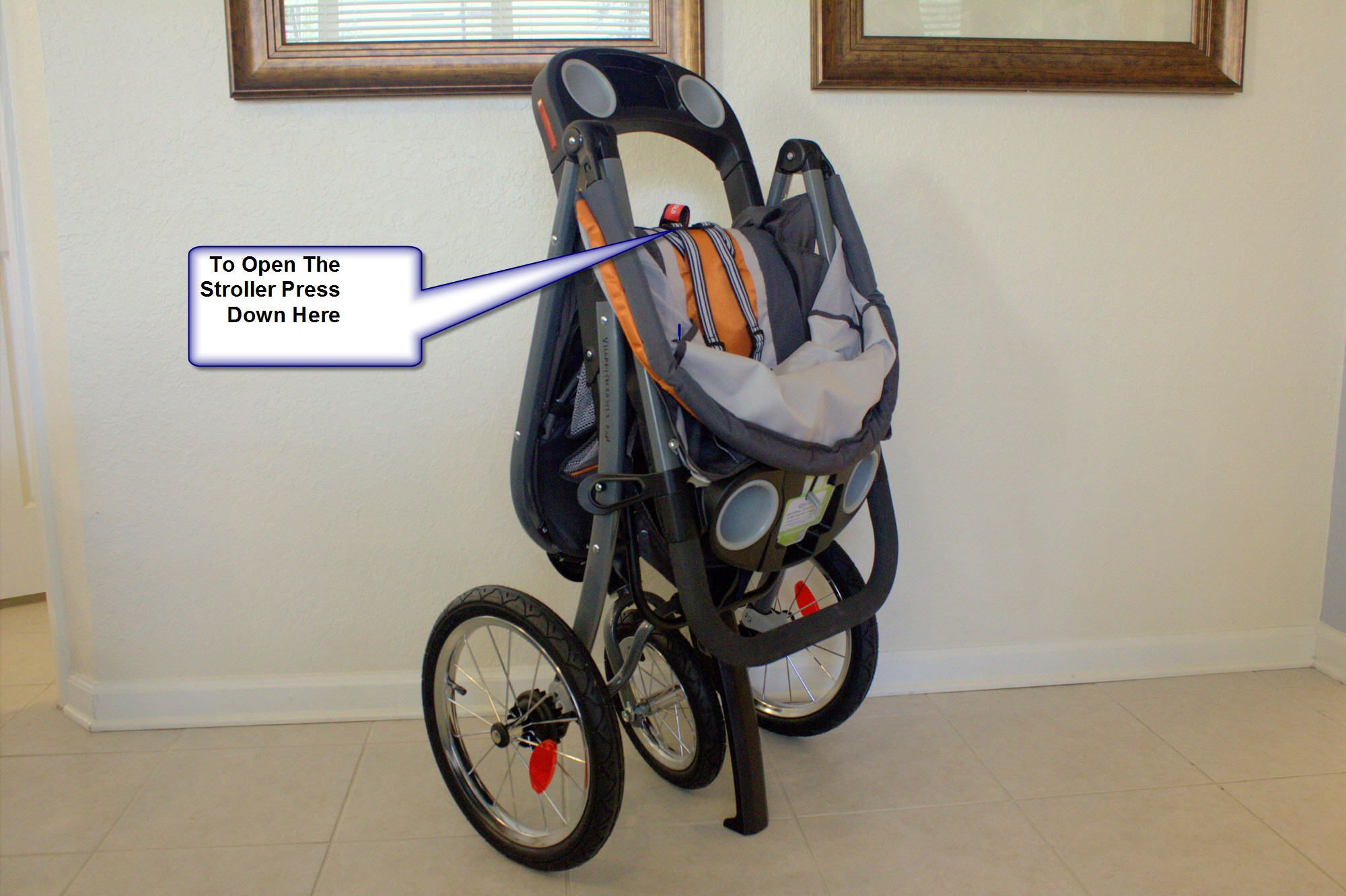 Open The jogging stroller